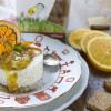 Mousse al cioccolato bianco e Speculoos con salsa di arance e datteri